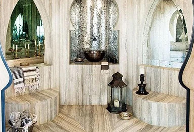 Hammam sheathed in Turkish marble