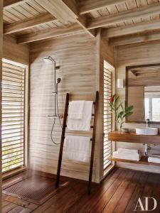 Guest bath in a Dominican Republic home